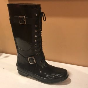 ⭐️BCBGMaxAzria Military Style All Weather Boots ⭐️